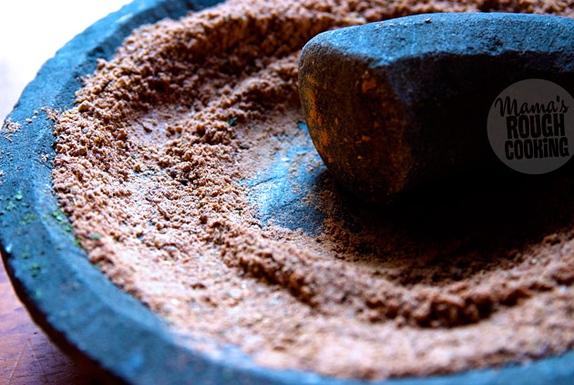 chat-masala-grind